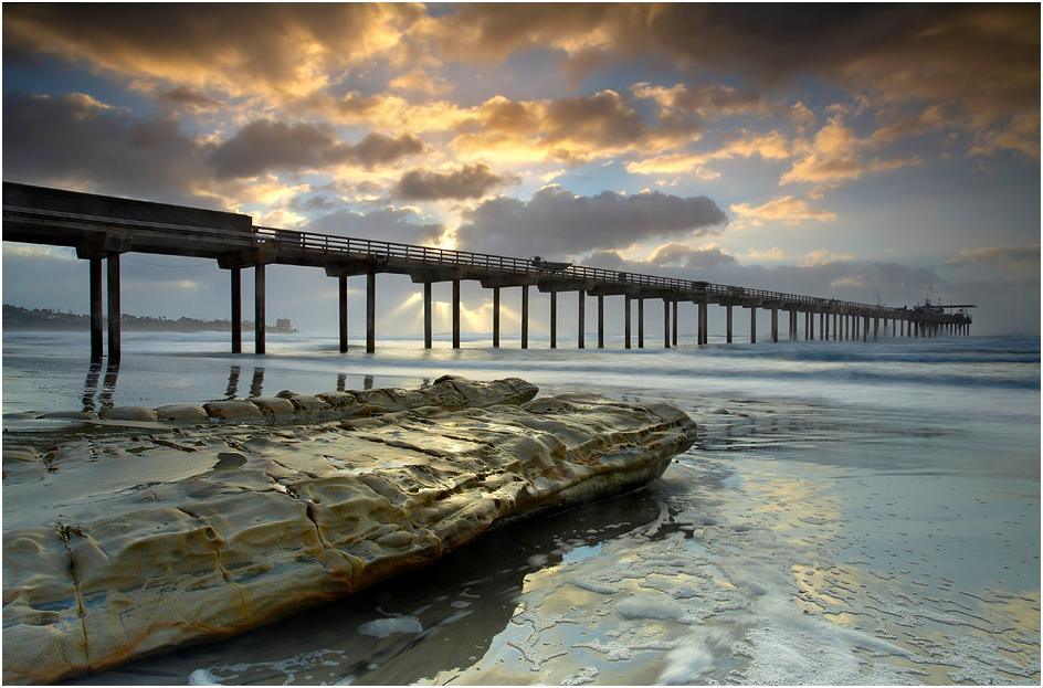The Light behind the Scripps Pier